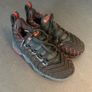 Toddler Boy Nike Lebron Sneakers Sz. 11